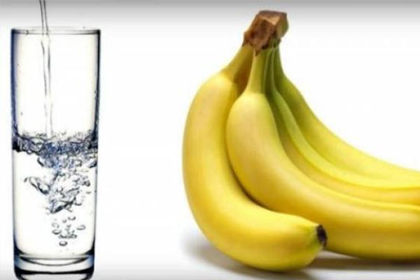 Theo các nghiên cứu sử dụng chuối kết hợp với nước ấm vào mỗi sáng rất tốt cho sức khỏe