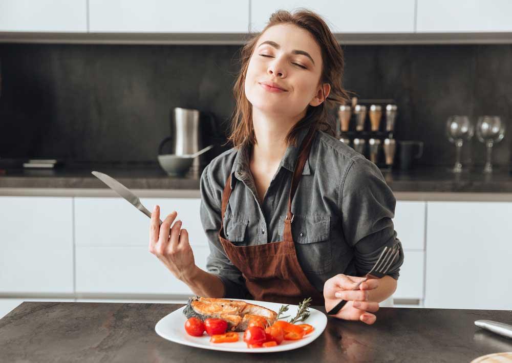 Tận hưởng món ăn với niềm vui