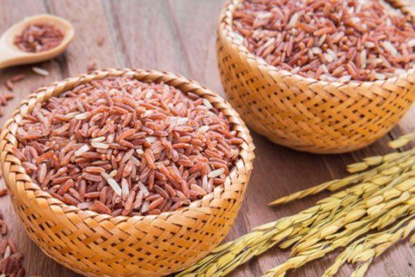 Một nửa cốc gạo lứt chứa 1,7 gram kháng tinh bột, đây là một loại carb lành mạnh