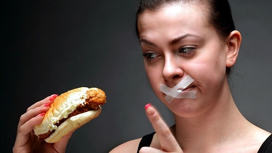 Nhịn ăn để giảm cân là việc làm hoàn toàn sai lầm