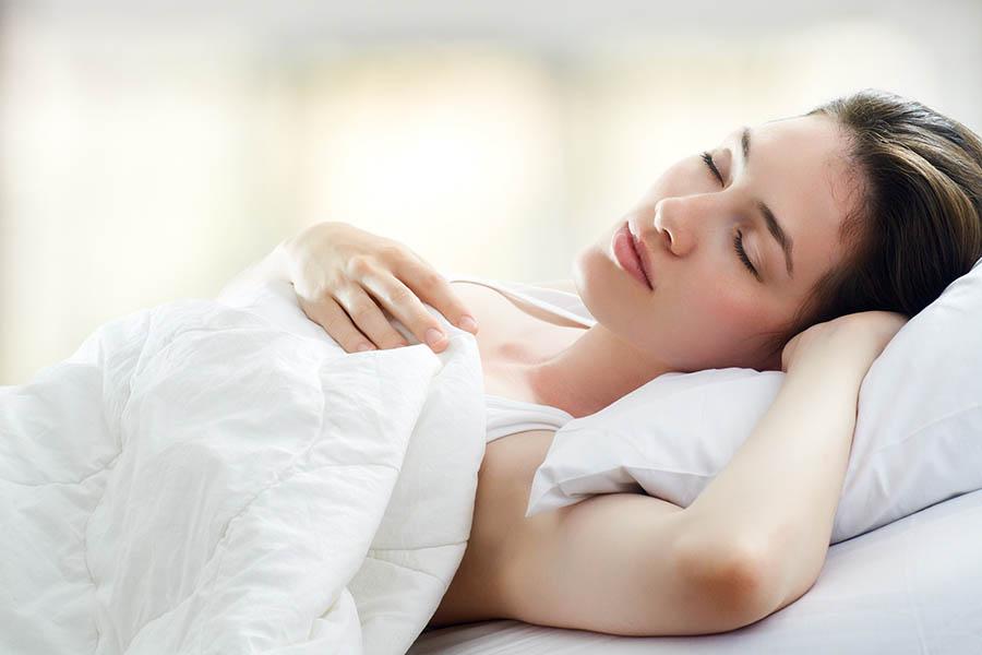 Sau khi sinh con, bạn cần phải ngủ nghỉ đầy đủ